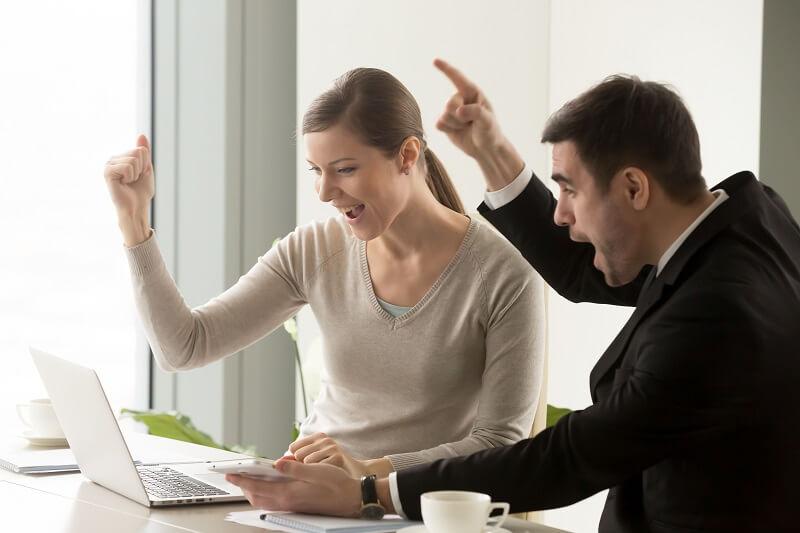 Quais são os benefícios de trabalhar com vendas online?